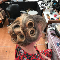 Relooking pin-up coiffure mariage